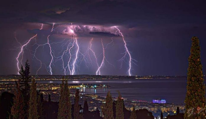 Thessaloniki, Greece thunderstorm. Photo by: Γιώργος Κόγιας